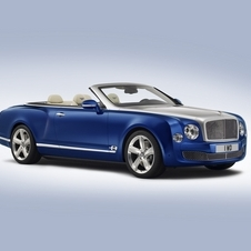 the concept is equipped with the same 6.75-liter V8 twin-turbo that is present in the Mulsanne and the Mulsanne Speed