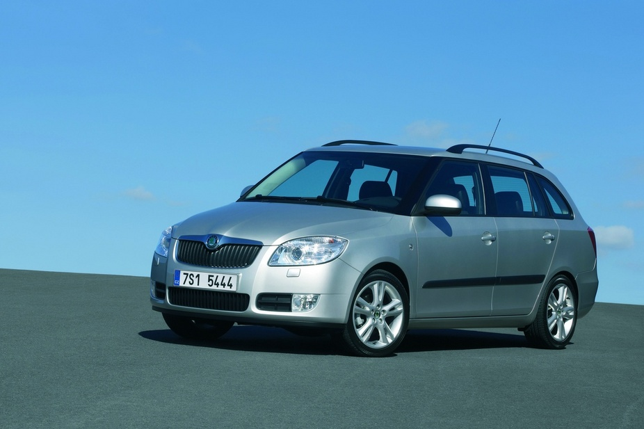 skoda fabia 1 9 tdi sport van 1 photo and 42 specs. Black Bedroom Furniture Sets. Home Design Ideas