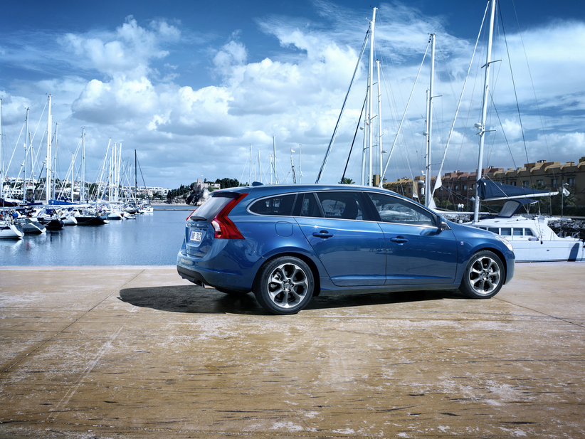 Volvo V60 T4 Ocean Race :: 1 photo and 47 specs :: autoviva.com