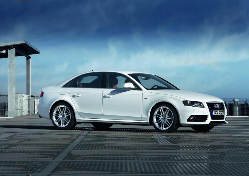 Audi A4 2.0 TFSI Start/Stop Black Edition :: 1 photo and 11 specs :: autoviva.com