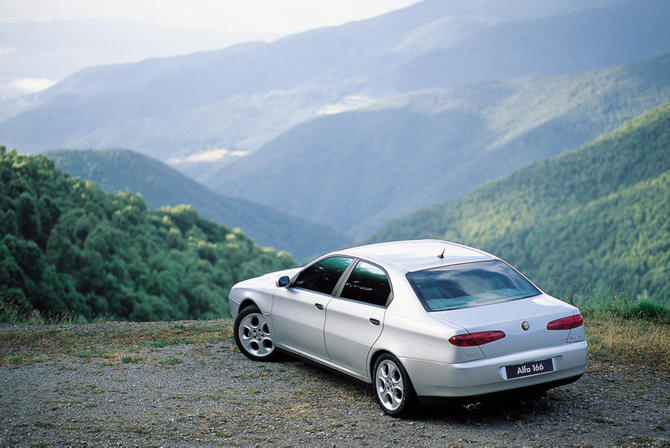 People :: Alfa Romeo 166 3.2 V6 24v Exclusive photo :: autoviva ...