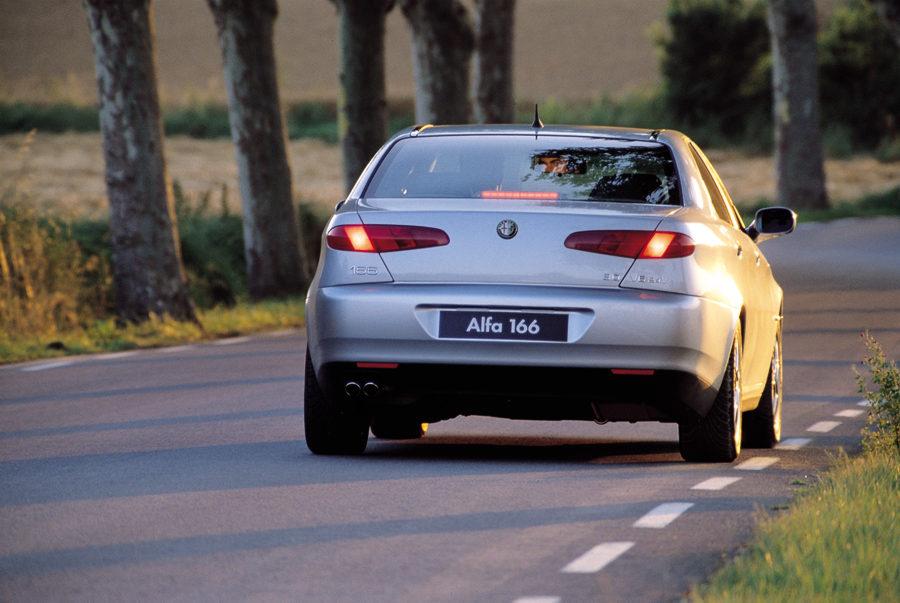 Alfa Romeo 166 3.2 V6 24v TI :: 1 photo and 78 specs :: autoviva.com