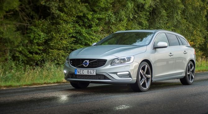 Volvo V60 D2 R-Design Geartronic