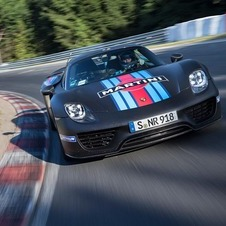 Porsche had three of its drivers set laps to attempt a new Nordschleife record