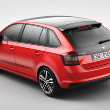 The glass roof option also extends the rear window glass