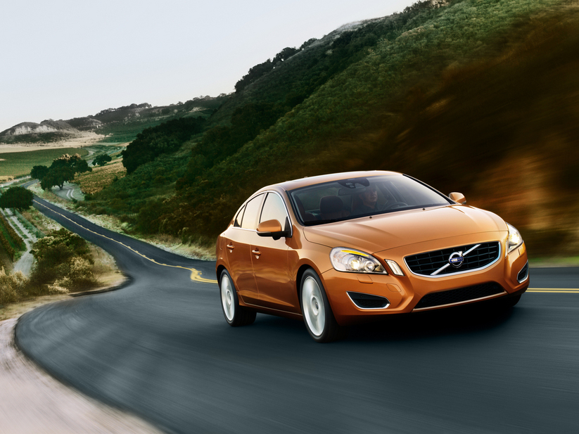 Volvo S60 T4 Automatic :: 2 photos and 57 specs :: autoviva.com