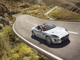 The F-Type R convertible is one of the premieres of the new 14 version range of the model