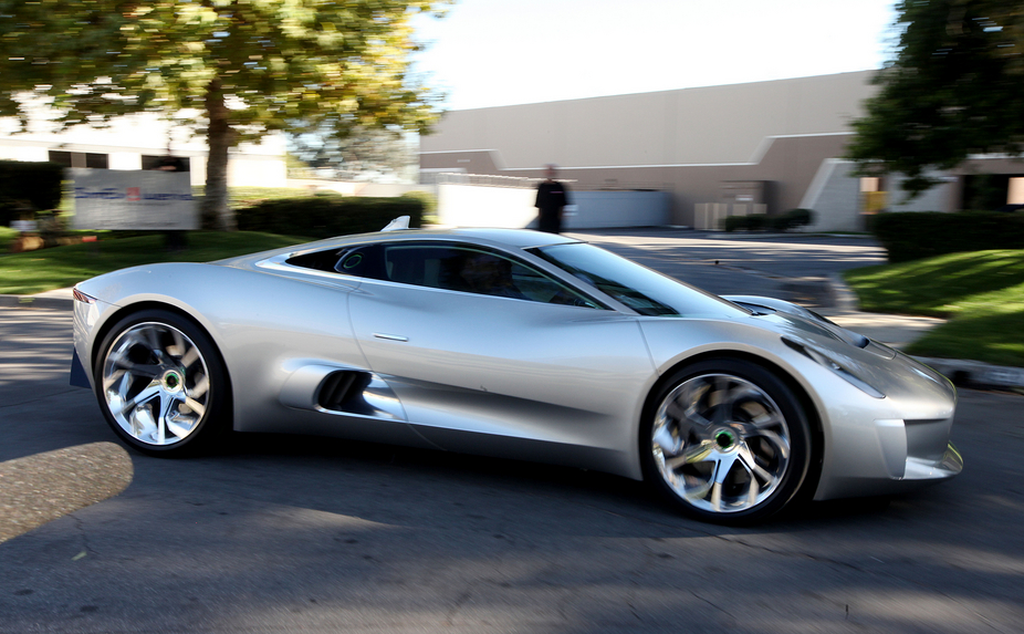 Rumormill: Jaguar Considering Limited Number of C-X75 Turbine Cars ...