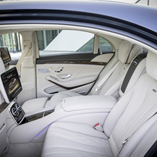 The interior comes with standard nappa leather interior