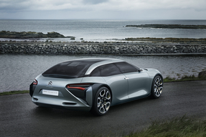 It can be driven in all-electric mode in the city with a range of 60 km
