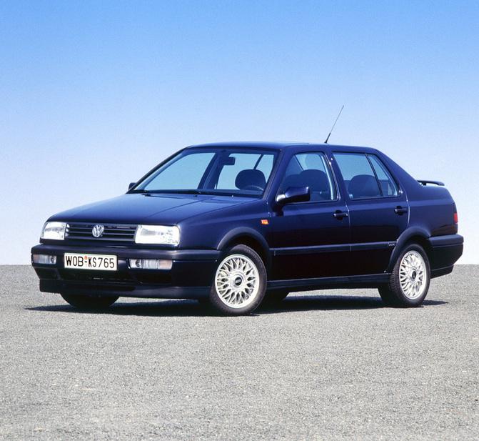 Volkswagen Vento 1 8 Gl 3 Photos And 46 Specs Autoviva Com