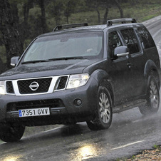 Nissan Pathfinder 2.5 dCi XE