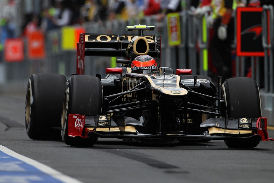 Lotus F1 Team Removes Sponsorship with Group Lotus