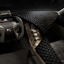 Citroën joined with the jewelry Swarovski and embroidery Lesage brands to create a luxurious cabin