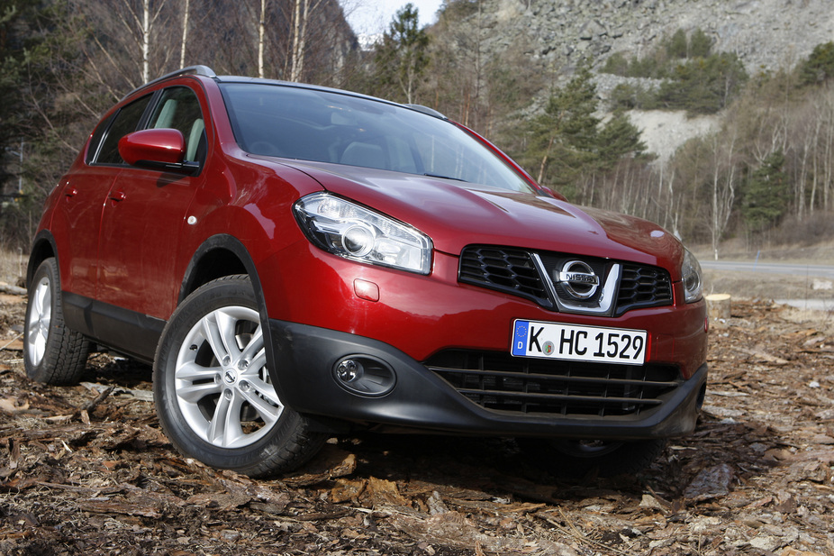 nissan qashqai 2 0 dci tekna 4x4 automatic 1 photo and 11 specs. Black Bedroom Furniture Sets. Home Design Ideas