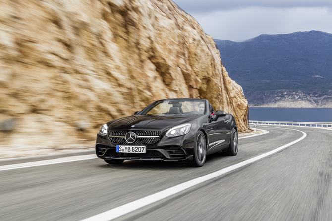 The SLC AMG 43 will be the top-of-the-range version