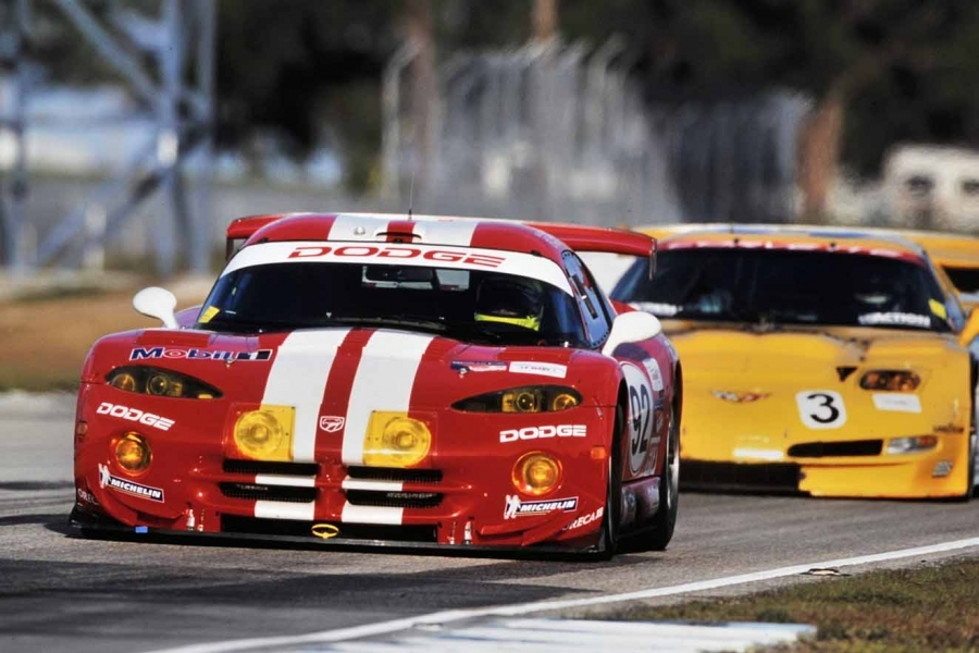 Car Videos to Brighten Your Weekend: The Porsche and Viper :: News ...