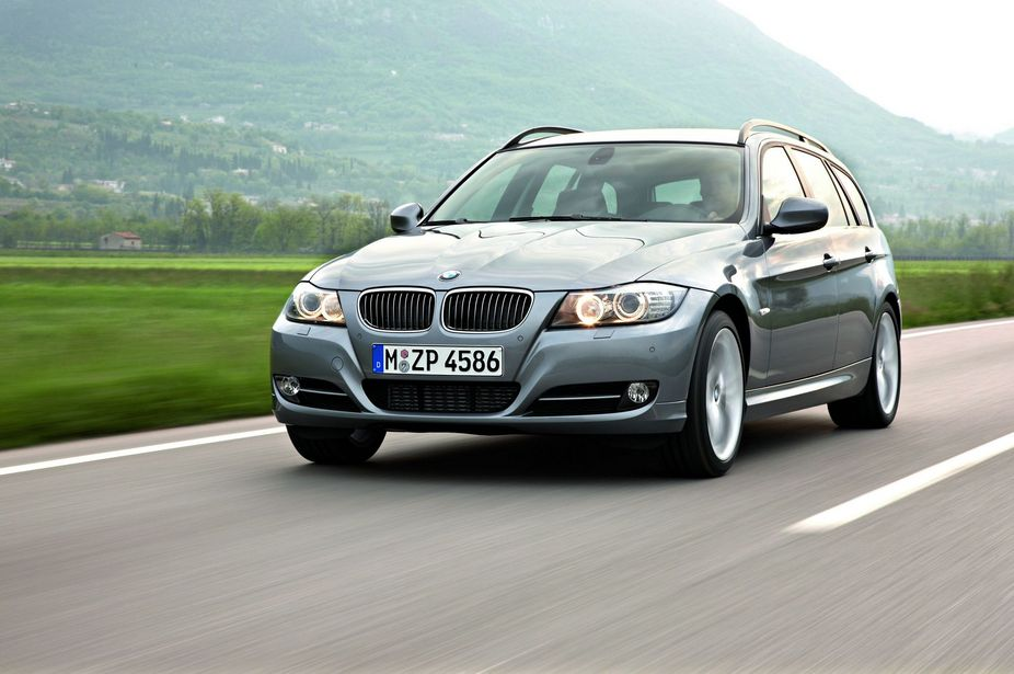 bmw 318d touring automatic lifestyle lci 1 photo and 61 specs. Black Bedroom Furniture Sets. Home Design Ideas