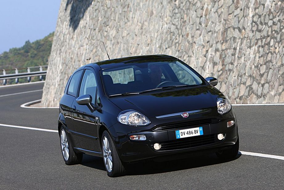 fiat punto evo 1 3 jtd multijet start stopp dynamic 7 photos and 7 specs. Black Bedroom Furniture Sets. Home Design Ideas