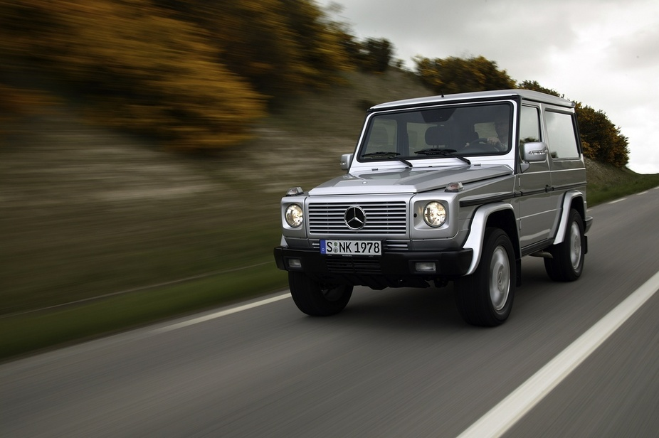 mercedes benz g 400 cdi 1 photo and 76 specs. Black Bedroom Furniture Sets. Home Design Ideas