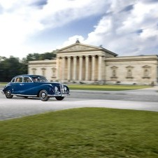 A BMW 502 touring in Munich
