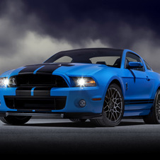 The 2013 GT500 uses a supercharged 5.8 liter V8 with 662hp and 631lb-ft of torque