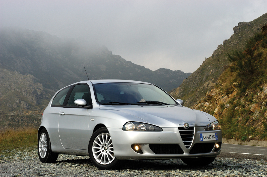 Alfa Romeo 147 1.6 Twin Spark Exclusive :: 1 photo and 70 specs ...