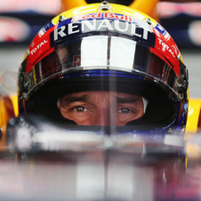 Webber conquered the 200th pole position for Renault