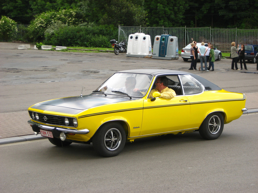 opel manta a 1 6 2 photos. Black Bedroom Furniture Sets. Home Design Ideas