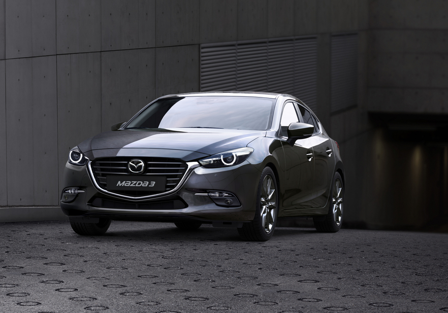 In terms of exterior design Mazda worked on the 3 to bring it closer to the image of the current CX-3