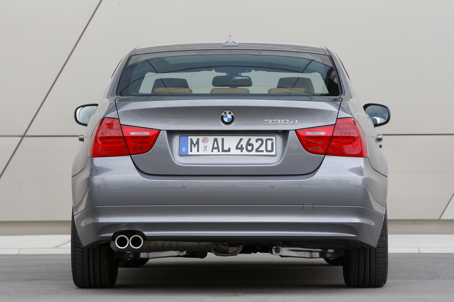 bmw 330d xdrive navigator automatic lci 1 photo and 52 specs. Black Bedroom Furniture Sets. Home Design Ideas