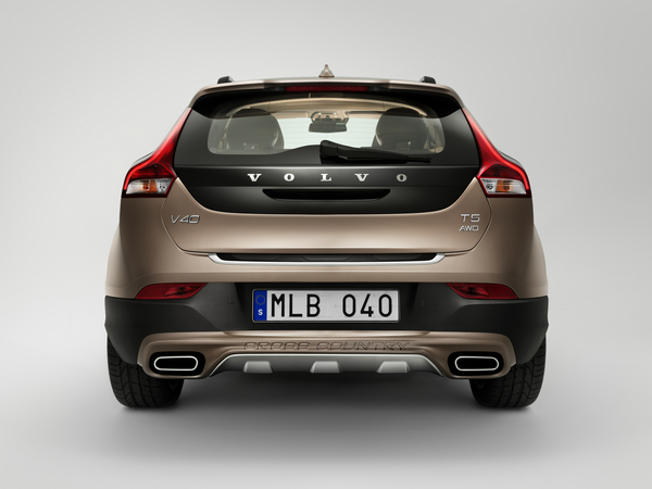 Volvo V40 Cross Country Premiers In Paris Photo Volvo