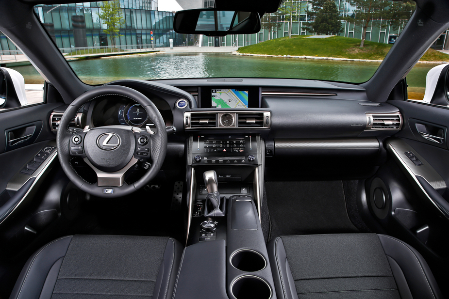 Lexus Introduces New Partnership with Google to IS in Europe :: News