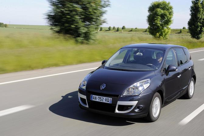 Renault Scenic Dynamique. Renault Scenic 1.6 dCi 130