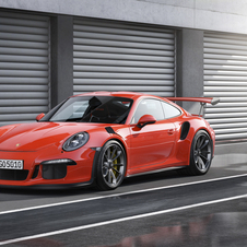 The new 911 GT3 RS broke the record of the iconic Carrera GT supercar with a time of 7 minutes and 20 seconds