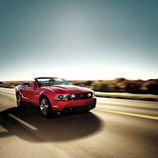 Ford Mustang V6 Premium Convertible
