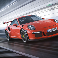 The 911 GT3 is equipped with a 4.0 liter engine with six cylinders and 500hp and 480Nm torque
