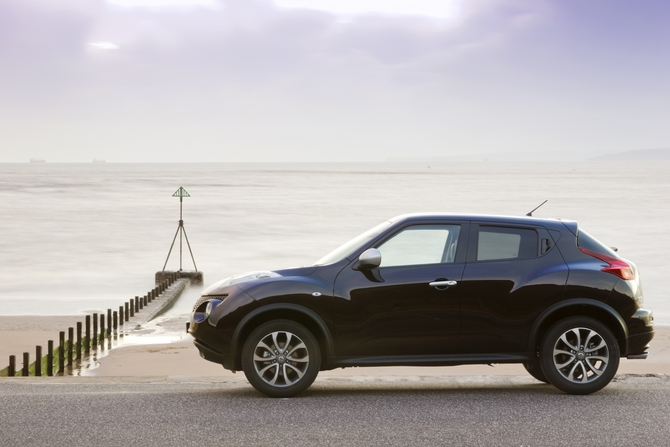 Nissan Juke 1.6 Turbo 4x2 Shiro photo :: Nissan Juke gallery ...