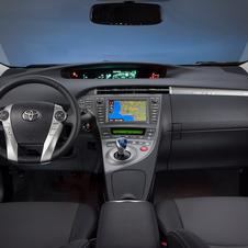 Prius Plug-in Capable of 49mpg and EV Travel at up to 100km/h