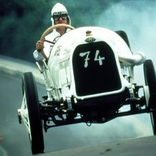 The company's 1913 Grand Prix racer was its first with four-valves per cylinder