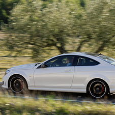 Mercedes-Benz C 63 AMG Coupé w/ Performance Package