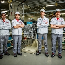 Just four men build every GT-R engine