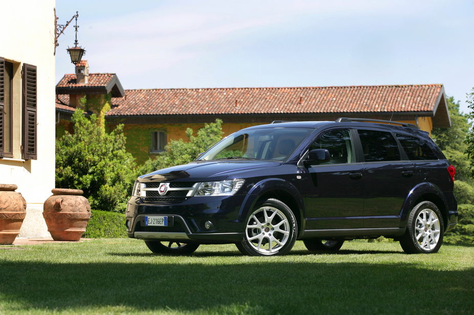fiat freemont 2 0 multijet 170 hp 4x4 27 photos and 1. Black Bedroom Furniture Sets. Home Design Ideas