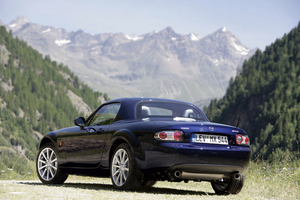 Mazda MX-5 Roadster Coupé 2.0