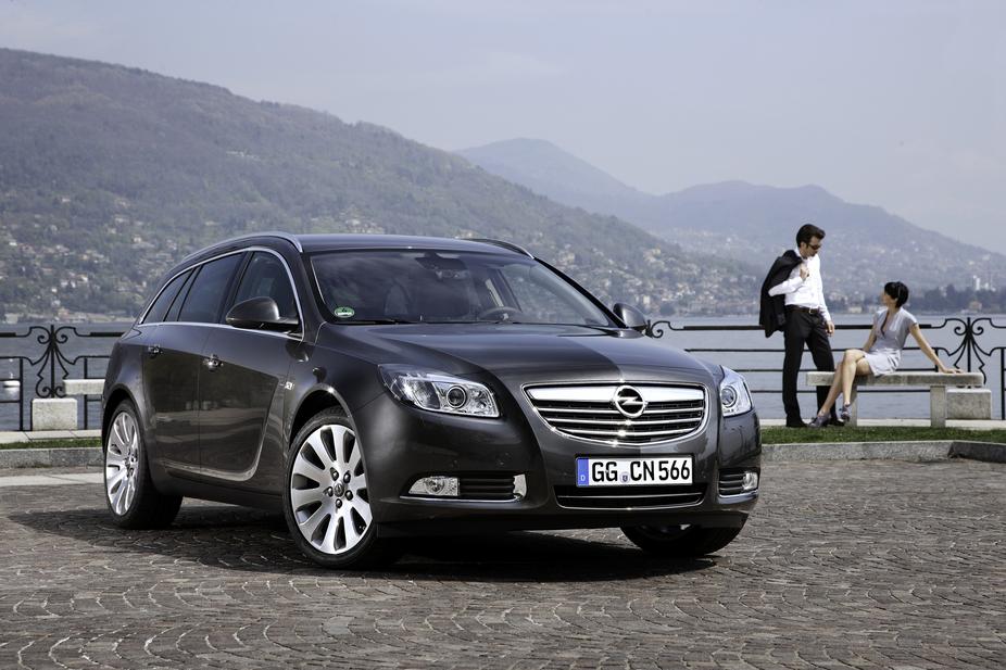 Opel Insignia Sports Tourer 2.0 CDTi ECOTEC 4x4 Automatic :: 3 photos ...