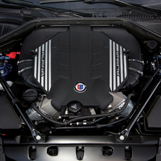 The B7 uses a tuned 4.4-liter twin-turbo V8 with 532hp