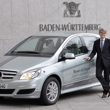 Minister President Kretschmann will drive the B-Class F-Cell as his official car