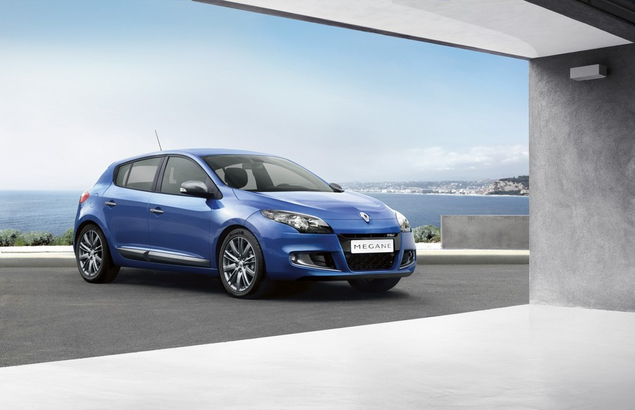 renault megane hatchback 2 0 tce 180 gt line tomtom 1 photo and 11 specs. Black Bedroom Furniture Sets. Home Design Ideas