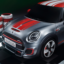 The JCW gets a complete body kit with larger air intakes and brake cooling ducts