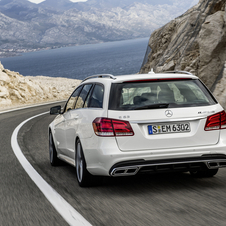 Le E63 AMG est disponible en Berline et Break